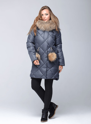 Синяя женская куртка парка с мехом чернобурки
