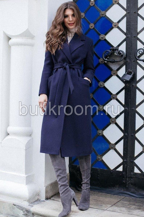 Осеннее пальто ниже колен синее