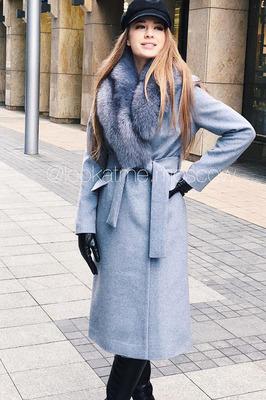 Теплое пальто с чернобуркой зимнее серое